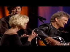 Kris Kristofferson Collapsed Twice After Doctors' Heartbreaking Wrong | Country Rebel