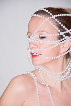 Portrait with pearls