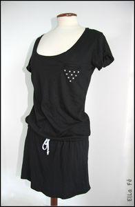 2 tee-shirts pour faire 1 robe  Issu du site Wobisobi