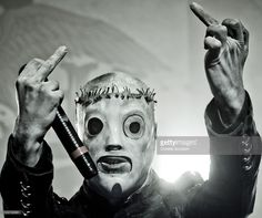 corey-taylor-of-slipknot-performs-on-stage-at-the-hammersmith-apollo-picture-id103738581 (1024×858)
