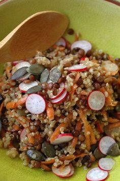 "Quinoasalat, knusprige Linsen und Radieschen + alle Rezepte des Amap-Stands &quo… Quinoa salad, crispy lentils and radishes + all recipes from the Amap stand ""La clef des champs"". Raw Food Recipes, Veggie Recipes, Vegetarian Recipes, Cooking Recipes, Healthy Recipes, Recipes Dinner, Quinoa Salat, How To Cook Quinoa, 21 Day Fix"