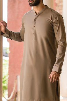 Punjabi Kurta Pajama Men, Kurta Men, Gents Kurta Design, Boys Kurta Design, Designer Suits For Men, Designer Clothes For Men, Man Dress Design, Mens Shalwar Kameez, Pakistani Kurta