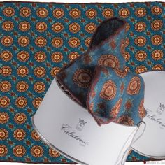 100% Wool pocket square hand-tipped. Calabrese 1924 New Fall/Winter Collection at zampadigallina.com