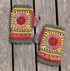 In English: Wheel of Fortune Mittens | Craftsy