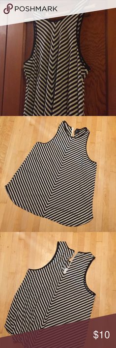 Tank with zipper back Black and white striped tank with zip up back. Worn once Mossimo Supply Co Tops Tank Tops