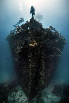 25 Haunting Shipwrecks Around the World
