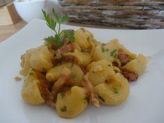 Pipe rigate w białym winie z długo dojrzewającym boczkiem Pesto Pasta, Potato Salad, Potatoes, Vegetables, Ethnic Recipes, Food, Pasta Al Pesto, Potato, Essen