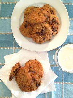 Chewy Chocolate Chip Cookies #TheSaffronGirl