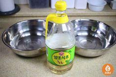 반나절 이상 걸리는 '조개 해감' 30분안에 끝내는 비법 Spray Bottle, Cleaning Supplies, Soap, Dishes, Korean, Korean Language, Cleaning Agent, Tablewares, Flatware