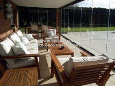 cortina de cristal Porch And Terrace, Porch Swing, Outdoor Furniture Sets, Outdoor Decor, Outdoor Ideas, Ideas Para, Interior And Exterior, Backyard, Terraces