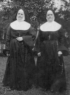 sisters of st.joseph old habits | Sister Mary Charles and Sister Damien McIver who accompanied her to St ...