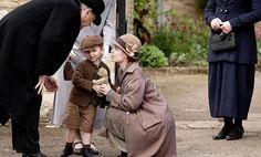 i love ethel's coat - can't seem to find a decent photo of it   Downton Abbey season 3