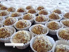 Rumové guľky Czech Recipes, Spoil Yourself, Mini Cupcakes, Muffin, Food Porn, Baking, Breakfast, Desserts, Czech Food