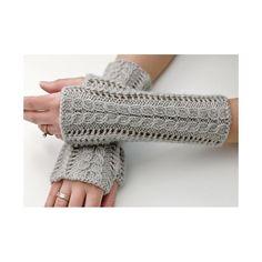 Lace Fingerless Gloves Knitting pattern by Luciana Boic - handstulpen sitricken Fingerless Gloves Knitted, Crochet Gloves, Lace Gloves, Knit Mittens, Knit Crochet, Lace Knitting Patterns, Christmas Knitting Patterns, Arm Knitting, Wrist Warmers