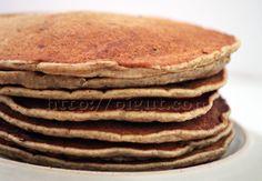Pancakes façile http://pigut.com/2013/02/02/pancakes-vegan-recette-facile-variantes-sans-lait-sans-oeufs/