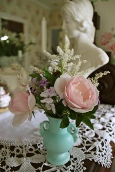 Don't forget the beauty and elegance of simple, small arrangements. Who doesn't have long-forgotten vases collecting dust? Bring them out and bring some of those beautiful garden plants in!