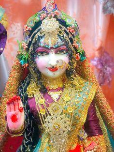 Baby Krishna, Radha Krishna Love, Krishna Images, Princess Zelda, Mom, Hare, San Diego, Beautiful, Accessories