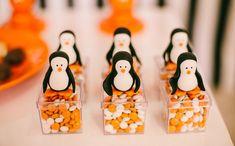 """festa infantil com o tema """"pinguins de madagascar"""" no 'fazendo a festa'"""