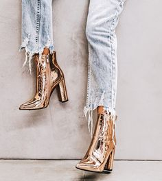Femmes Cuir verni Talon bottier Escarpins Bout fermé Bottines avec Zip chaussures Women Patent Leather Chunky Heel Pumps Closed Toe Ankle Boots with Zip Shoes Hot Heels, Pumps Heels, Jeans Heels, Ankle Jeans, Shoes Sandals, Fashion Shoes, Fashion Outfits, Womens Fashion, Girls Shoes