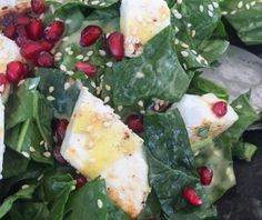 Spinach Salad with Pomegranate Food Categories, Salad Bar, Spinach Salad, Veggie Dishes, Superfoods, Food Art, Feta, Potato Salad, Salads
