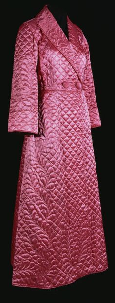 Quilted Dressing Gown, Nancy Peart (a pupil of Mary Lough) Wolsingham, Weardale)): ca. 1948-1949, rayon satin, quilted with feather wreath motifs, feather twist borders, square diamond filler.