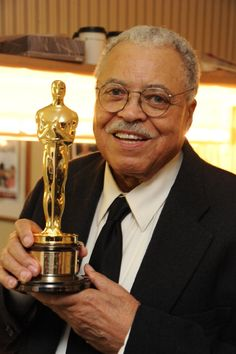 "James Earl Jones Receives His ""Lifetime achievement"" Oscar Black Actors, Black Celebrities, Hollywood Stars, Classic Hollywood, Hollywood Icons, Oscars, Mississippi, African American Actors, African Americans"
