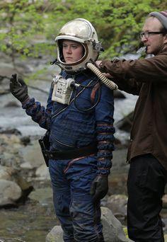 4 Space Suit Costume, Alien Suit, Mars Space, Armor Clothing, Space Fashion, Space Race, Sci Fi Books, Helmet Design, Sci Fi Characters
