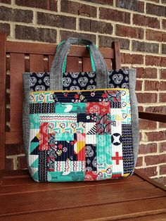 Noodlehead super tote! Essex linen and Tsuru, quilt as you go method on front pocket (also added a back pocket), quilted gussets, used doubl...