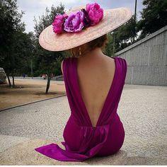 """1,047 mentions J'aime, 9 commentaires - Invitada Ideal (@invitadaideal) sur Instagram: """"Espaldas de vértigo! Ideal Pamela by @missdaisyatelier y vestido @lamieldemariana Una foto sublime!…"""""""