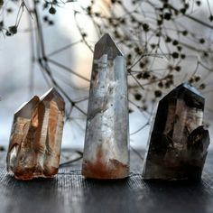 (From Witch Cottage) Beautiful Quartz Crystals. Crystals Minerals, Rocks And Minerals, Crystals And Gemstones, Stones And Crystals, Crystal Magic, Crystal Grid, Crystal Healing, Crystal Altar, Quartz Crystal