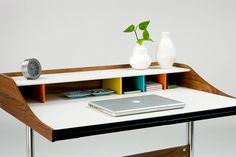 Nelson Swag Leg Desk - I really really really want this one...