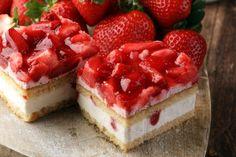 Recipe: No Bake Strawberry Icebox Cake - Strawberry Icebox Cake, Raspberry Cheesecake Bars, Healthy Cheesecake, Strawberry Jello, Refrigerator Cake, Fridge Cake, Icebox Cake Recipes, Dessert Recipes, Dessert Thermomix