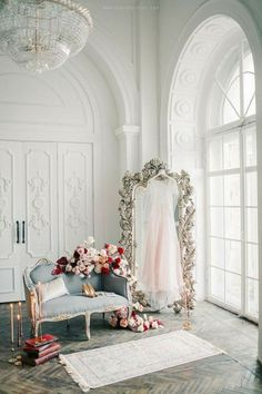 Photography Ideas Boudoir Beauty 46 Ideas There are different rumors about the history of the marriage dress; Inspiration Room, Studio Decor, Living Room Decor, Bedroom Decor, Winter Rose, Bridal Suite, New Room, Home Decor Accessories, Cheap Home Decor