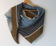 Terre et Mer – a free knitting pattern for a striped shawl by  Princesse Grenouille. Instructions available in English and in French.