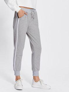 Pantalones deportivos a rayas Tenue De Sport, Tissu Gris, Pantalons  Raccourcis, Vêtements Western ec99f42e9364
