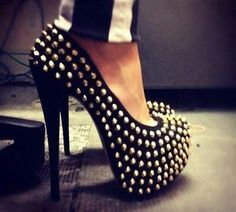 High heels on We Heart It