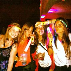 Siempre presente junto a las chicas mas bellas de Latam! www.pumpop.com