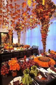 Thanksgiving house decorations. Fall themes thanksgiving home decor. - Thanksgiving displays