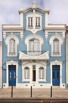 ♥ ~ ♥ Blue and White ♥ ~ ♥ House in Aveiro, Portugal Beautiful Buildings, Beautiful Homes, Beautiful Places, Spain And Portugal, Portugal Travel, Amazing Architecture, Architecture Details, Bauhaus, Shades Of Blue