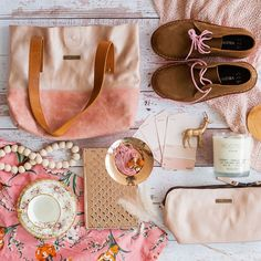 """FLAT LAY CREATIVE on Instagram: """"Gorgeous shades of pink for this beautiful flatlay for @orderwildandfree #flatlaystyle #flatlayphotography #flatlayphotographysouthafrica…"""" Flat Lay Photography, Creative Photography, Flat Lay Inspiration, Mood Lifters, Flatlay Styling, Fifty Shades, Your Style, Tote Bag, Studio"""