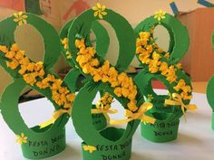 Photo by Fatıma teacher on March can find Spring crafts and more on our website.Photo by Fatıma teacher on March Fete 8 Mars, Diy And Crafts, Crafts For Kids, Paper Crafts, Mothers Day Crafts, Happy Mothers Day, 8 Martie, Rose Tutorial, Diy Origami
