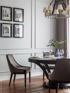 Столовая, Стол и стулья, все Selva. Люстра, Ralph Lauren.