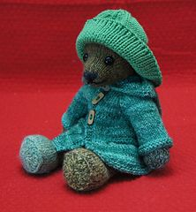 Ravelry: An Outfit for Bear Vera pattern by Annita Wilschut Knitting Bear, Knitted Teddy Bear, Knitting For Kids, Teddy Bears, Knitted Dolls, Crochet Toys, Knit Crochet, Ravelry, Teddy Bear Clothes