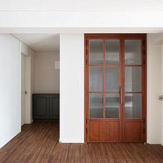 Morning Beige Bedroom Bedroom in Gyeonghuigung Palace, Navy … – Door Types Interior Architecture, Interior Design, Interior Doors, Bedroom Doors, Wooden Doors, Windows And Doors, Home Fashion, Interior Inspiration, House Plans