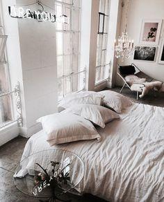 Dream Home Degine And Interior Design And Exterior & Living Room Decoration Interior Design Inspiration, Home Decor Inspiration, Interior Ideas, Modern Interior, Bedroom Inspo, Bedroom Decor, Bedroom Ideas, Cozy Bedroom, Style Vintage