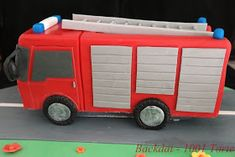 Backdat - 1001 Torte: Feuerwehrauto - New Ideas Fireman Sam Cake, Fire Cake, Le Chef, Fire Trucks, Cake Decorating, Birthday, Grands Parents, Cakes, Baking