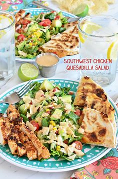 Southwest Chicken Quesadilla Salad is packed with flavor and texture, like an explosion in your mouth. Easy to throw together, great for busy weeknights or lunch. Recipe at TidyMom.net