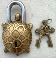 ANTIQUE RARE VINTAGE OLD TIBET BRASS TORTOISE TURTLE  PADLOCK LOCK by eloise