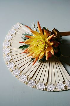 simple bridesmaid flower fan - skip the lace, but small bouquet
