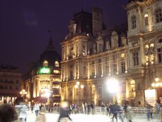 Patinoire ice rink | Hotel de Ville Paris France | ice skating | vsbl photography